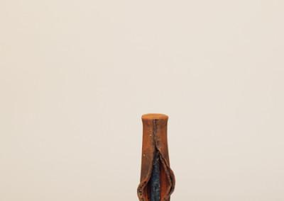 AV 33, Höhe: 52 cm, Skulptur aus Ton und Eisen, 2005